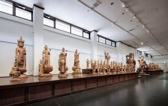 仏像ギャラリーで仏像をデッサンしよう!